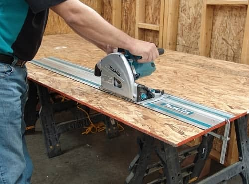 Makita SP6000J1 cutting plywood