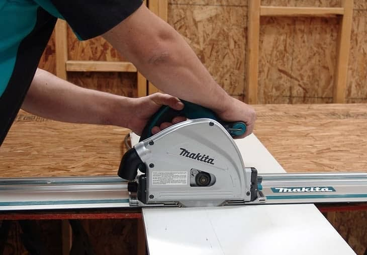 Makita SP6000J1 circular saw